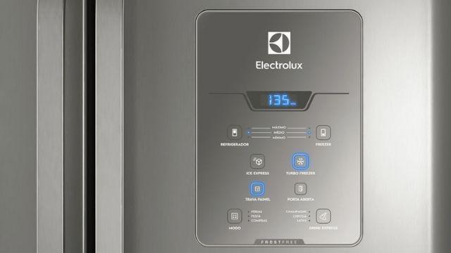 Geladeira Electrolux DM84X painel